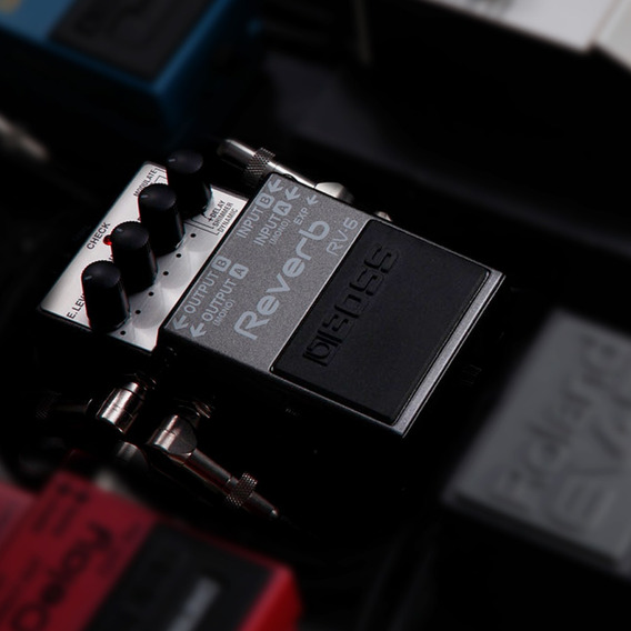 Pedal Digital Reverb Boss Rv-6 Para Guitarra Efeito Shimmer