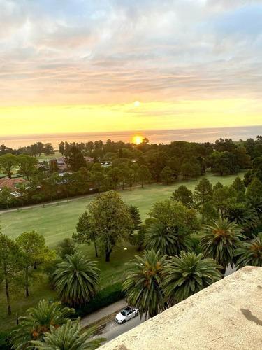 Impecable Penthouse. Vista Al Golf Y Al Mar.