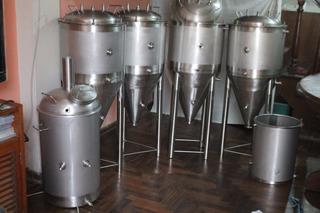 Cerveza Artesanal En Barril Y Plantas Todas Las Capacidades
