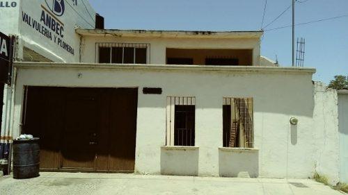 Casa Con Excelente Ubicación, Necesita Inversión Para Acondicionarse, Muy Negociable, Aproveche!!