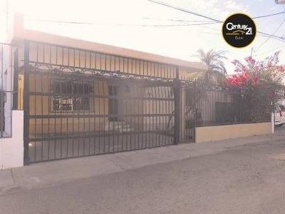 Excelente Casa De Un Nivel En Renta Zona Centro.
