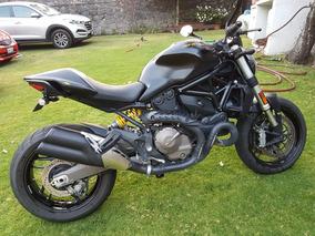 Ducati Monster 821 Dark2015 (impecabe)
