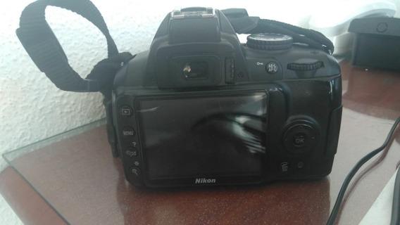 Camera Nikon D3000 +lente 18-55mm