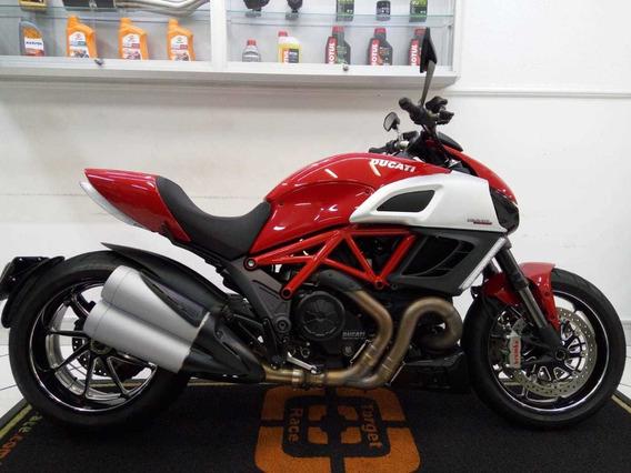 Ducati Diavel Carbon Vermelho 2014 - Target Race