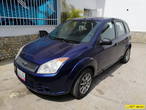 Imagen 1 de 11 de Ford Fiesta Max Automatico