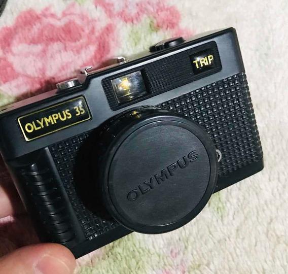 Antiga Câmera Fotográfica Olympus 35 Trip