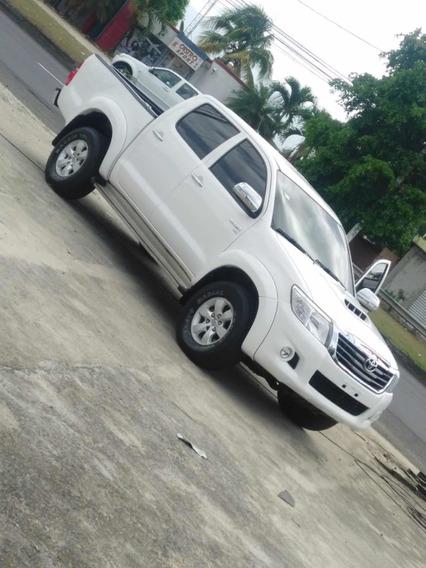Toyota Hilux Full 4x4
