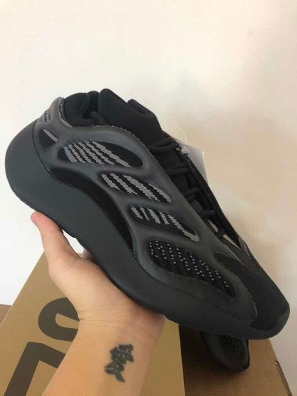 Tênis adidas Yeezy 700 V3 Alvah