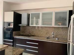 Apartamento En Venta La Trigaleña-valencia Cod 20-4758 Ddr
