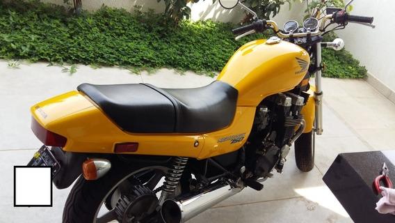 Honda 750 Cilindradas Amarela Com 13.000 Milhas,