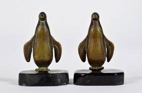 Lindíssimo Par De Esculturas De Pinguins Em Bronze E Madeira
