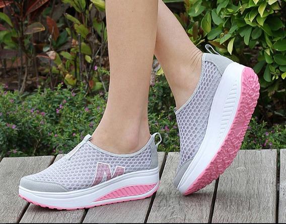 Sapatos De Caminhada Das Mulheres Altura Crescente