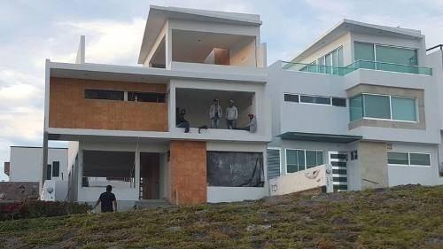 Hermosa Residencia De 3 Habitaciones 2.5 Baños, Ppal Con Bañ