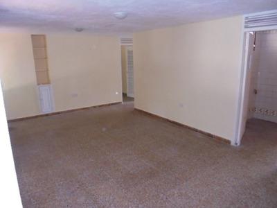 Apartamento En Arriendo San Carlos 793-223