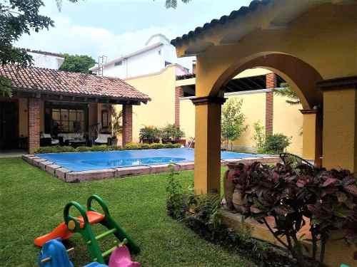 Casa - Fraccionamiento Lomas De Cuernavaca