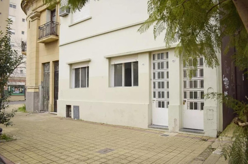 Casa Venta 3 Dormitorios , 2 Baños Y 127 Mts 2- La Plata