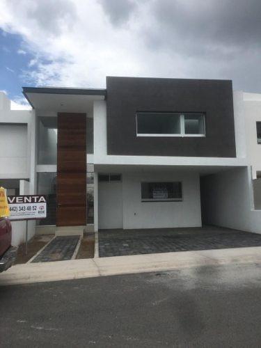 Casa Nueva Con Habitación En Planta Baja En Lomas De Juriquilla