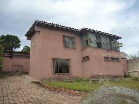 Casa En Venta Zona Este Barquisimeto Lara 20-3535 Rahco