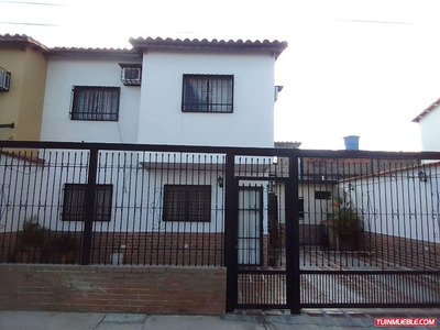 Townhouses En Venta 04124544842