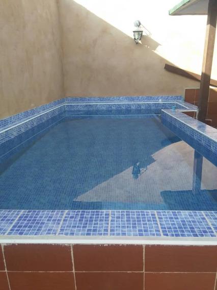 Casa Con Pisccina En Piñonak. 04128849675