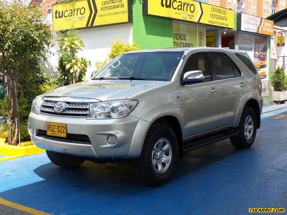 Toyota Fortuner Urbana Srs