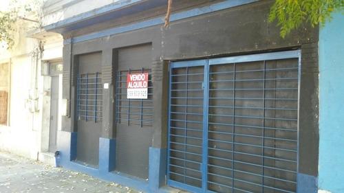 Alquilo Local 70m2 Chimborazo Prox. S.martin 11800$