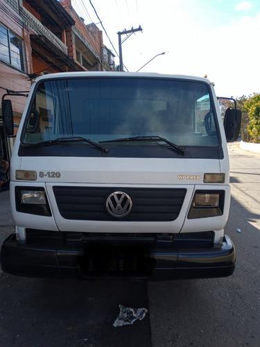 Imagem 1 de 6 de Caminhão