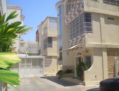 Townhouse En Venta En Cagua - Centro Código Flex:19-8784 Gjg