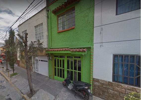 Casa En La G.a.m. En Venta