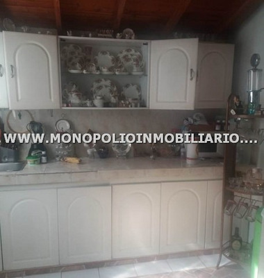 Apartamento En Venta - Manrique Central Cod: 11900