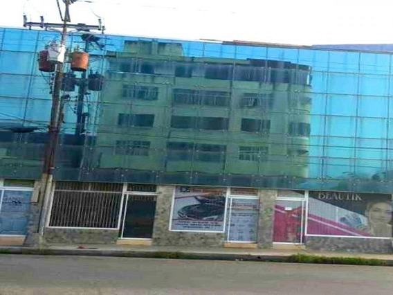 Oficina En Venta En El Cc. Juan Jose Flores Puerto Cabello