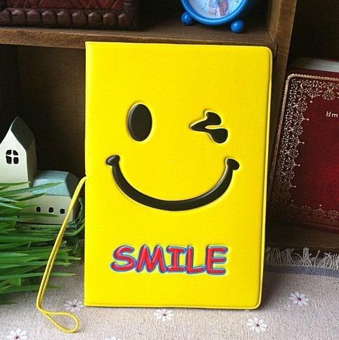 Capa Para Passaporte De Pvc Smile Feliz C/ Porta Cartão @