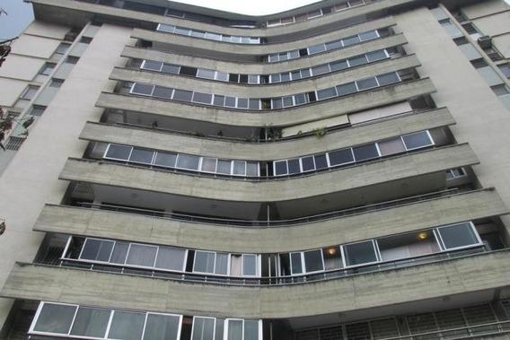 Apartamento En Sabana Grande Cod: 20-2439