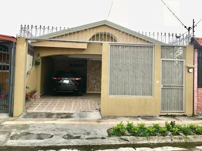 Venta De Hermosa Casa En La Guácima, Alajuela