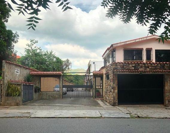 17-03019 Casa En Urb. Valles De Camoruco. Vende Alexora C.