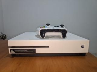 Xbox One S 500gb + 7 Juegos Digitales