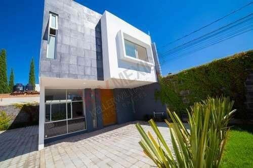 Residencia En Venta En Residencial Beqaa, Colonia Granjas Puebla