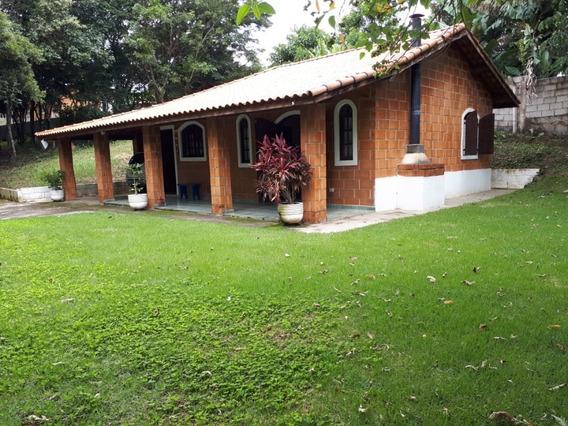 Chácara Em Condomínio Com Área De 2.000 M², 02 Dormitórios !