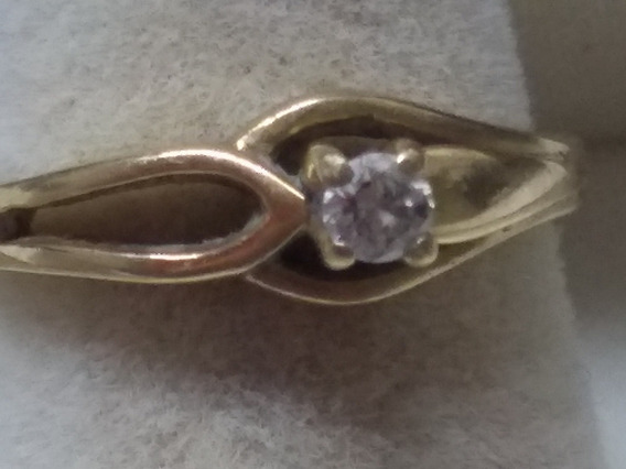 Anillo Solitario 1 Diamante 0.10 Kilates Oro Amarillo 14 Kts