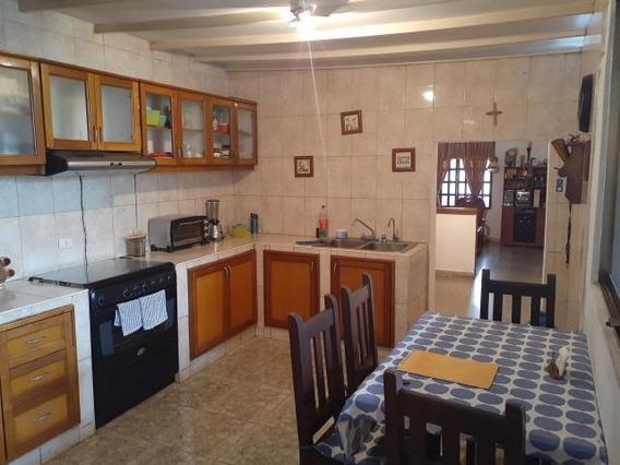 Casa En Venta Barquisimeto 20-17995 Jcg