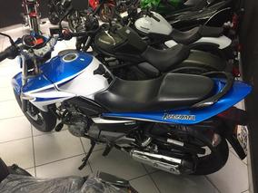 Suzuki, Iazuma, 2015 Azul