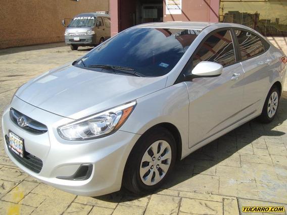 Hyundai Accent - Automática