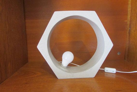 Luminária De Mesa Hexagonal