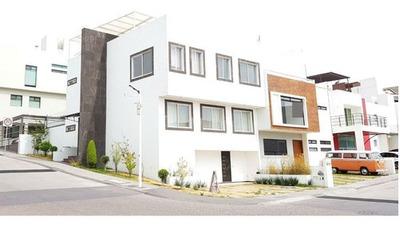 Casa Venta Centrica Amplia Fraccionamiento Coto Privada Milenio Iii Queretaro
