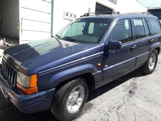 Jeep Cherokee Limited V8