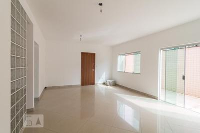 Apartamento No 1º Andar Com 2 Dormitórios E 1 Garagem - Id: 892907648 - 207648