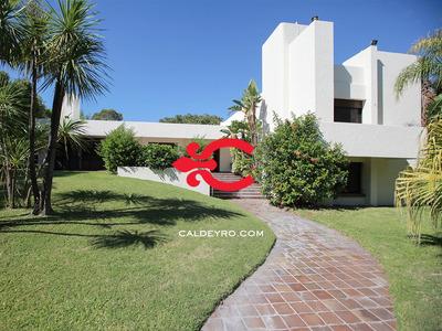 Casa En Carrasco. Ref: 4814