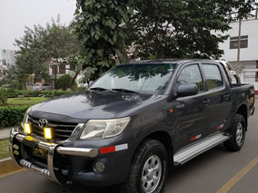 Toyota Hilux 4x4 2012 Diesel Impecable 82,300 Km Real