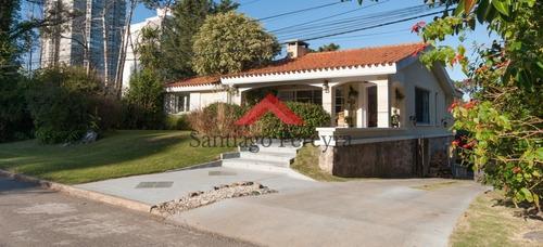 Casa En Playa Mansa, Punta Del Este, 4 Dormitorios Gran Parque- Ref: 5486