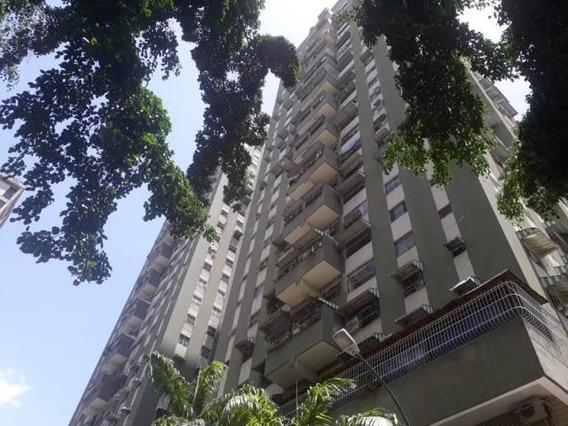 Apartamento En Qta Crespo 19-11573 Yanet 0414-0195648